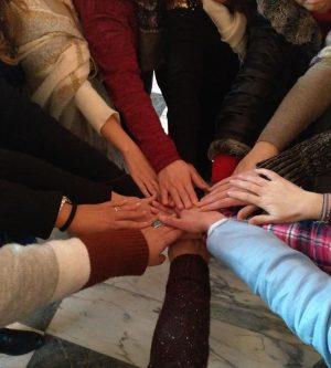 """Las mujeres de Hospital de Órbigo unieron su energía al grito de: """"Mujeres conscientes: ¡aprendemos y enseñamos!"""""""